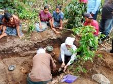 Excavación de Fosa PachaquiAbaj, CaserioPatoquer, Aldea Hacienda Vieja, San José Poaquil (Chimaltenango)